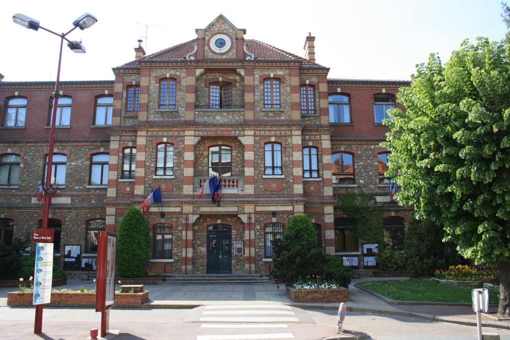 Fresnes hôtel de ville - Fresnes , son histoire, son présent